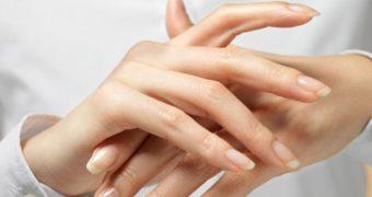 Миниатюра к статье Аллергия на ладонях и кистях рук - опасные контакты