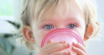 Миниатюра к статье Аллергия на молоко у детей: обзор проблемы и пути решения
