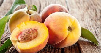 Миниатюра к статье Аллергия на персик - опасный фруктовый бархат
